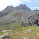 11.8.: Hütte mit Kesch-Nadel