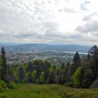 4.5.: Aussicht auf die Stadt Zürich auf dem Weg zum Uetliberg