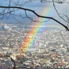 1.4.: Sonntags-Bild aus dem #Uetliberg-Wald: Regenbogen über #Zürich #Zurich