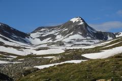 Links nächster Übergang (Passo Bornengo), rechts Pizzo Barbarea