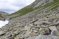 Blick zurück auf den Weg über die Steinblöcke