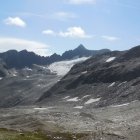 8.8.: leicht rechts der Mitte das Muttenhorn