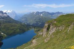 23.7.: vorne links Engstlensee, hinten rechts Tannensee und Melchsee